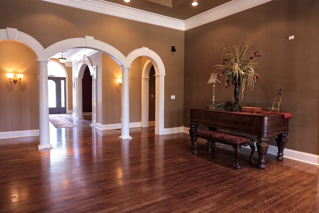 Great Room back into foyer